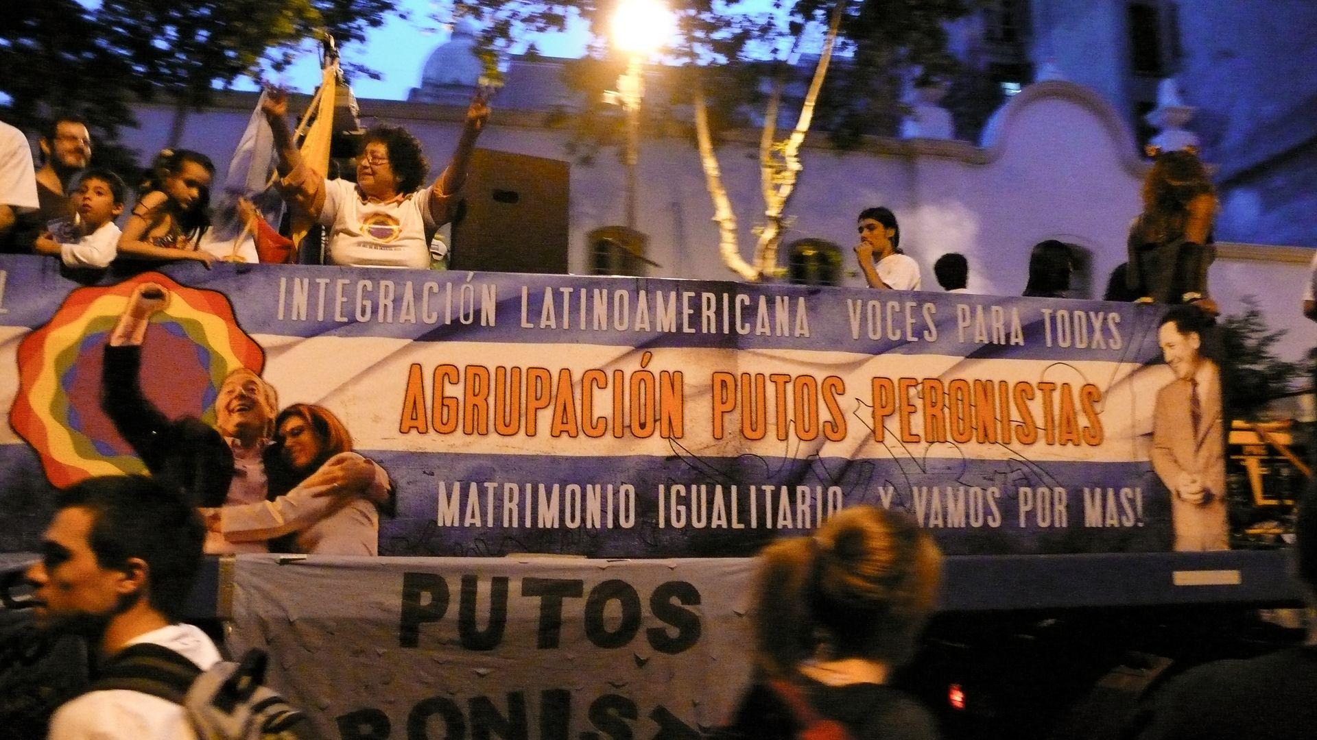 putos peronistas, carteles graciosos, agrupación putos peronistas, peronistas, argentina