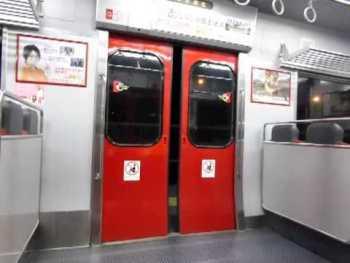 JR九州813系200番台のドア閉動画