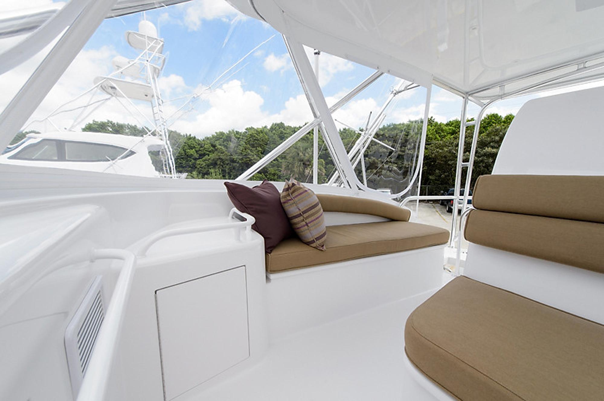 54 Ft Hatteras Motor Yacht