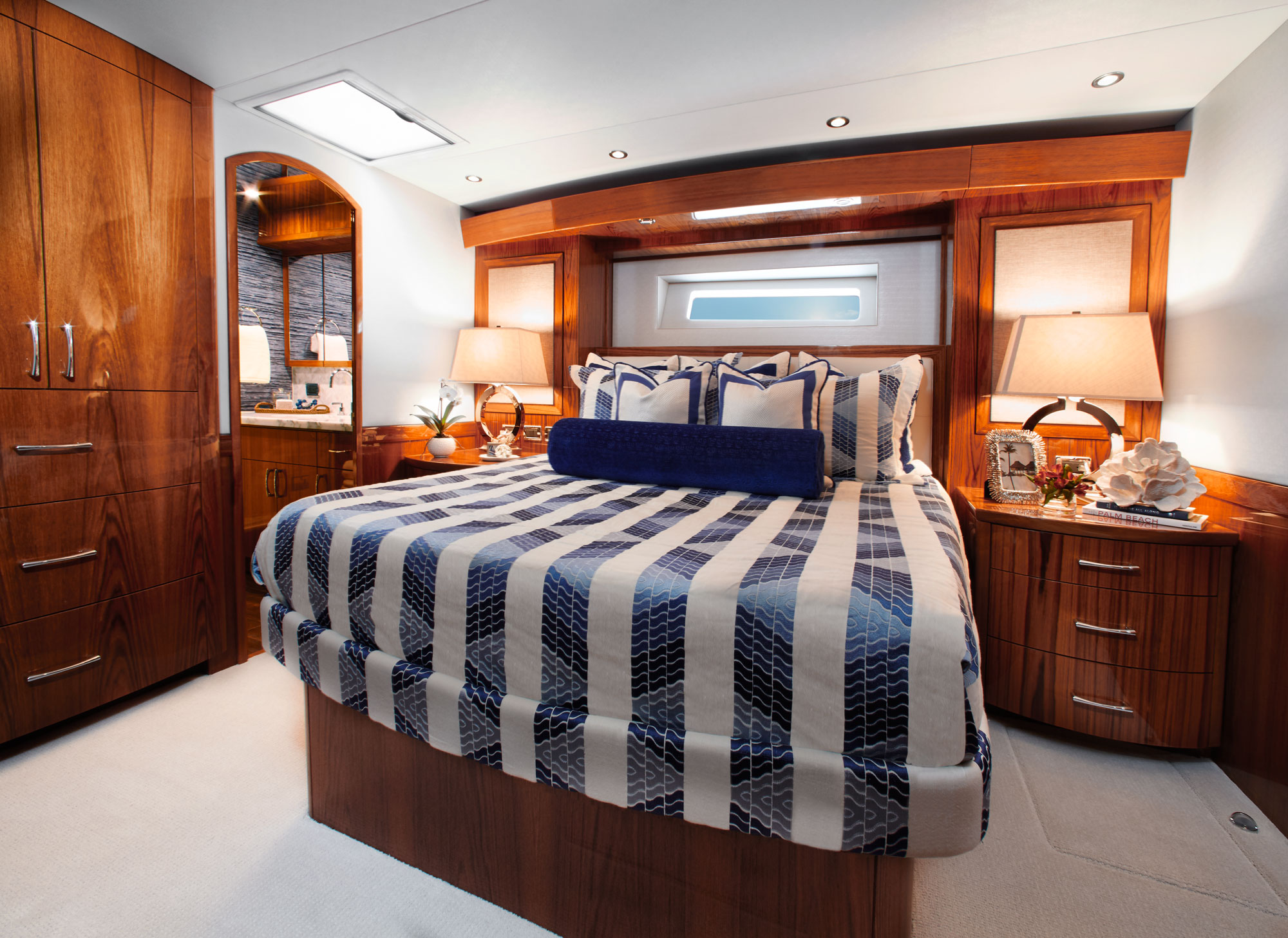 Hatteras Yachts GT70 Convertible Sportfishing Yacht