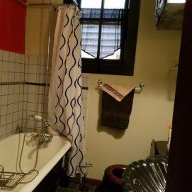 Vin's Vintage Preto Bath
