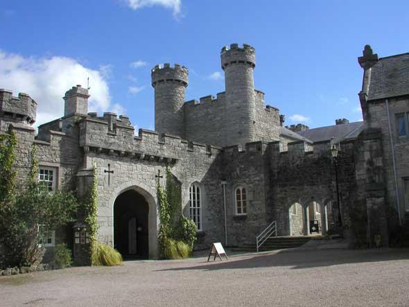 Bodelwyddan Castle Hotel Rhyl Wales Hauntedrooms Co Uk