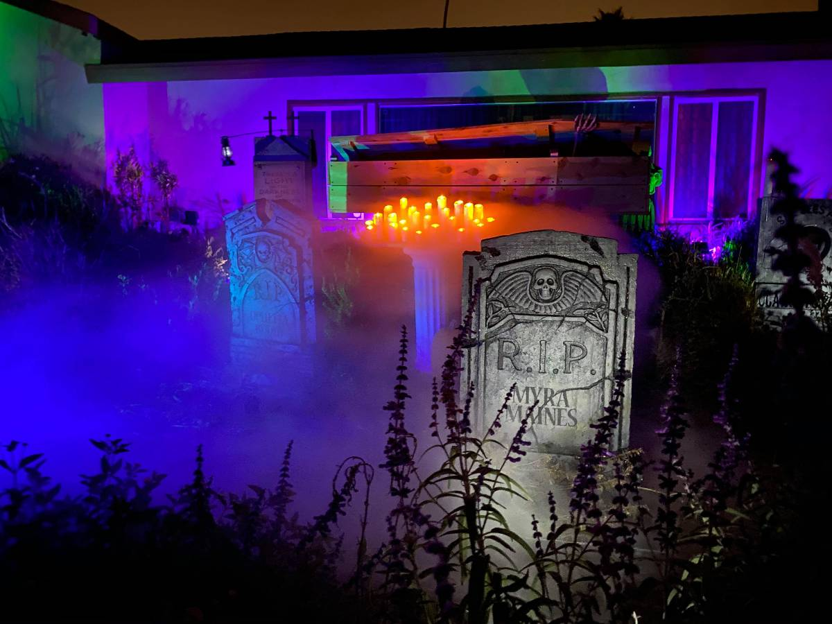 LA Yard Haunt Displays, Halloween Yard Displays Los Angeles Valley Haunting Drive By Community Home Haunt Socially Distanced Outdoor Rotting Hill Cemetery North Hollywood CA