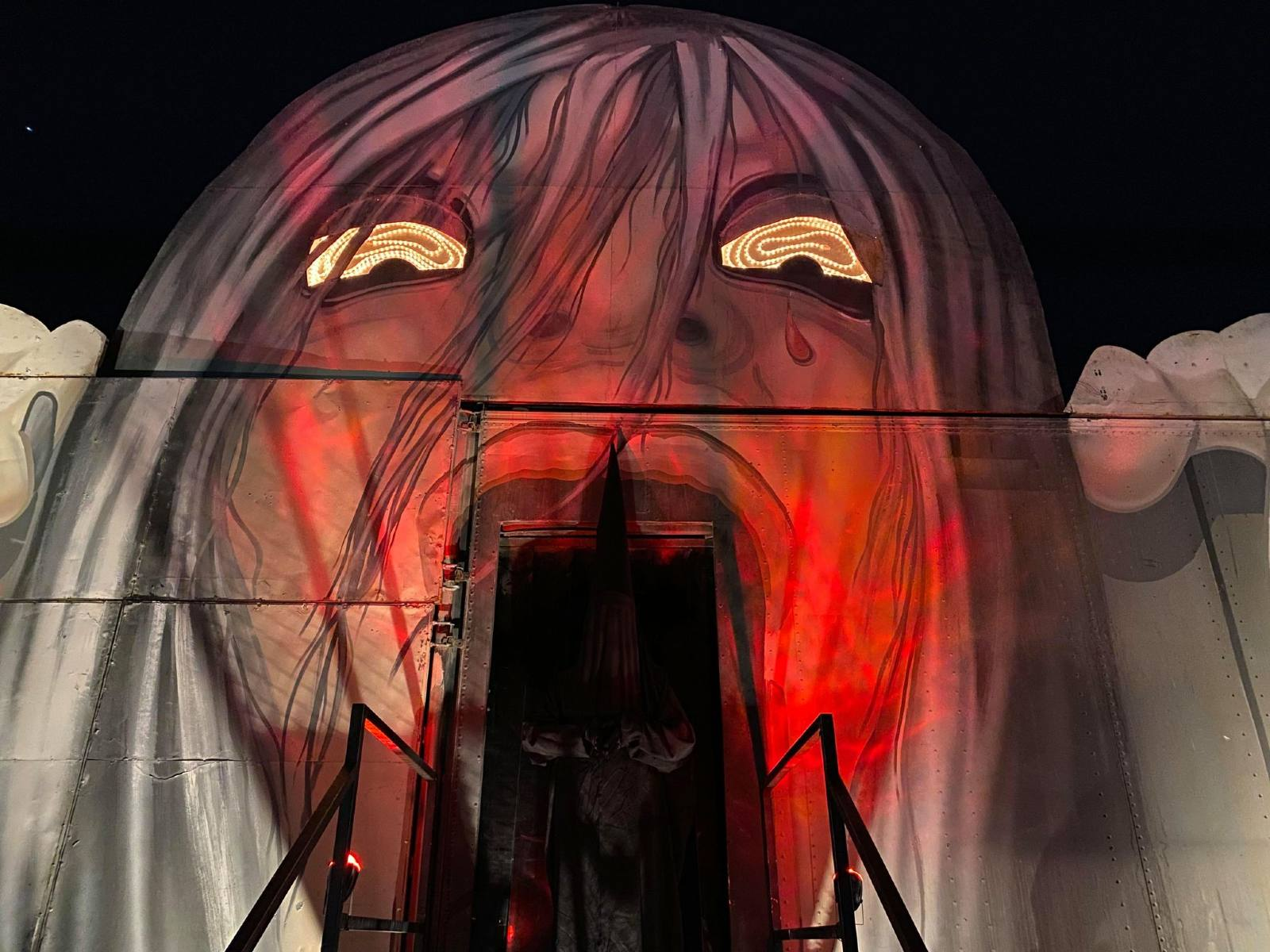 Freakling Bros Horror Shows - The Return - Castle Vampyre - Coven 13 - Gates of Hell - Haunted House - Las Vegas - CA - Freakling Bros' The Men's Room