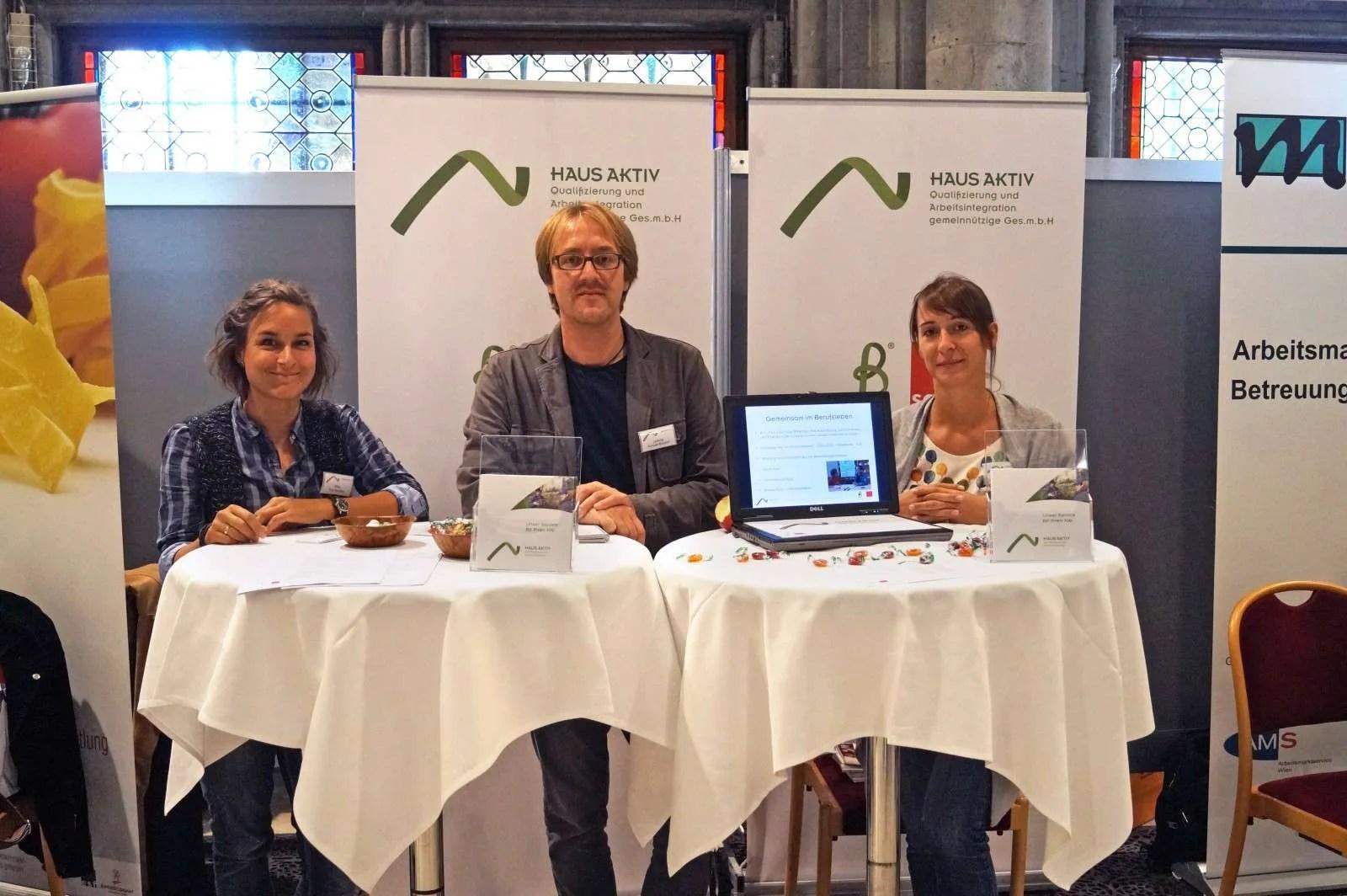 von links nach rechts  Integrationsbegleiterin Outplacement Mag. Eva Haubner, Projektleiter Roman  Bischof, Integrationsbegleiterin Outplacement Mag. Simone Wittmann