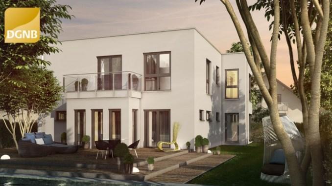 Mit attraktiven Hausentwürfen, die sich der Bauherr noch auf seine Wünsche anpasst, trifft die Fertighaus-Branche den Geschmack der Bauherren. (Foto: OKAL Haus)