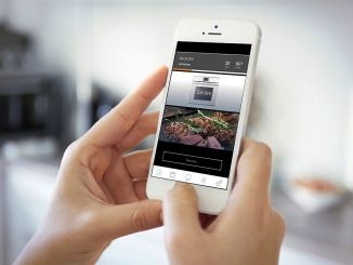 Die Steuerung von Küchengeräten per App oder mit Sprachbefehlen wird immer beliebter. (Foto: AMK)