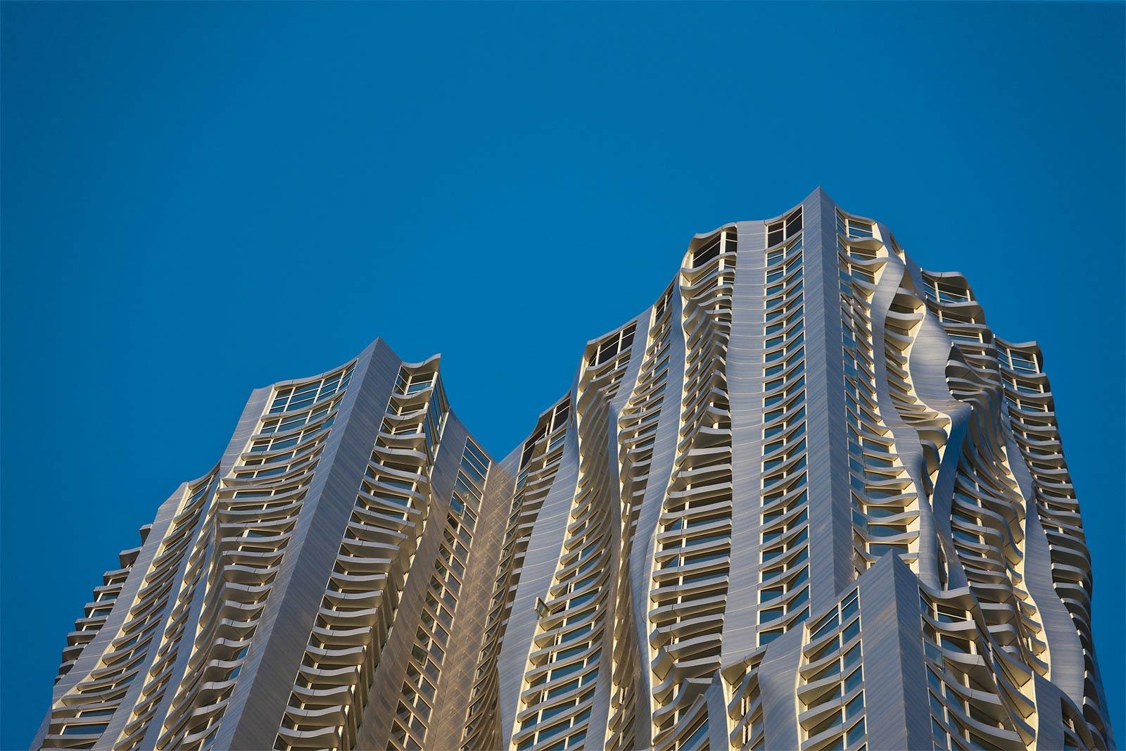 https://i1.wp.com/www.hauteresidence.com/wp-content/uploads/2013/03/Frank_Gehry_New_York.jpeg