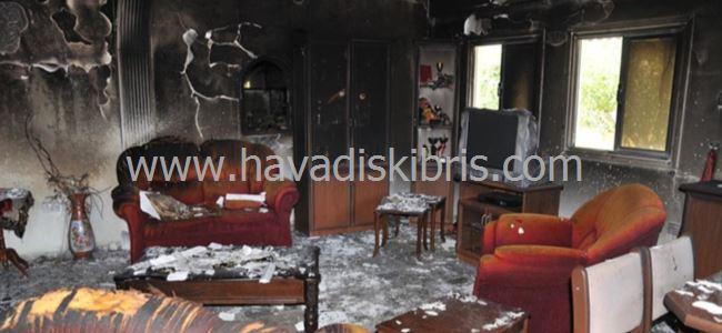 Lefke'de ev yangını