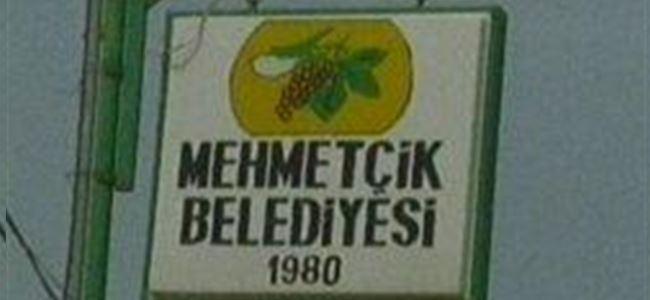 Mehmetçik Belediyesi oturma eylemi yaptı