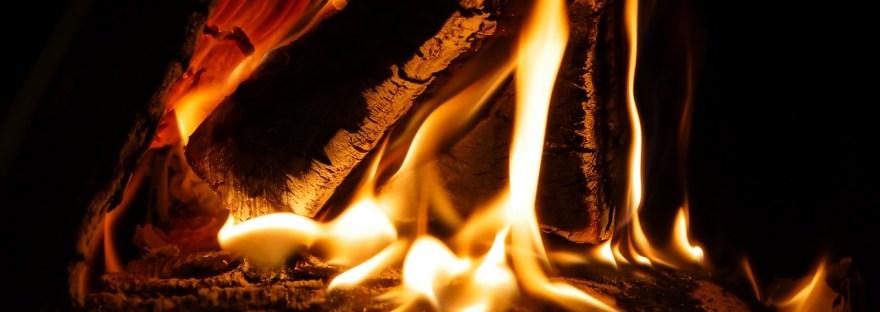haardvuur, vlammen, houtblokken, burn-out, havancoaching