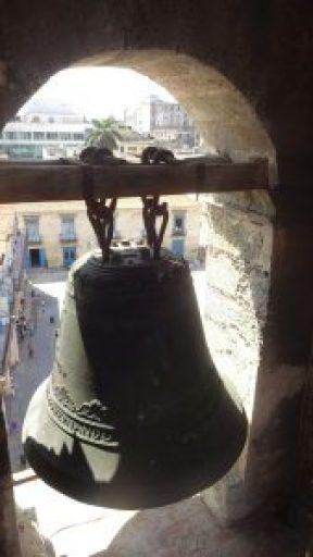 Eine der großen Glocken der Kathedrale