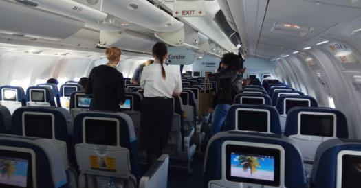 Leeres Flugzeug? Nicht nur das besondere Datum, auch viele Stornierungen wegen Hurrikan Irma führten zu einer freien Platzwahl. Maximal 70 Passagiere befanden sich in der 767 auf dem Flug nach Holguín.