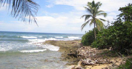Einsamer Strand bei Baracoa