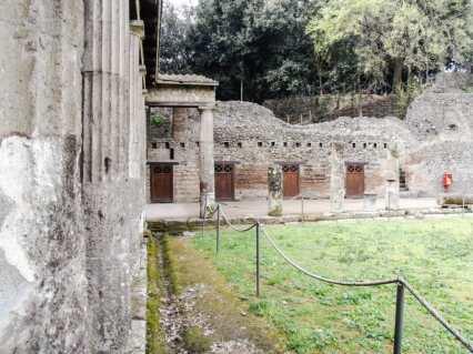 The gladiators' barracks.