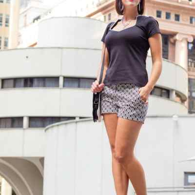 How to Style Patterned Shorts for Summer