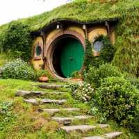 bilbo baggins home in Hobbiton, New zealand