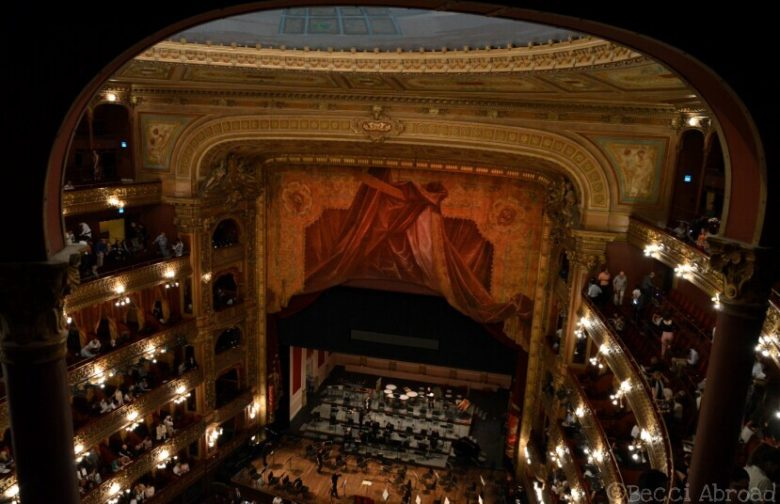Affordable_Buenos_Aires_Teatro_Colon