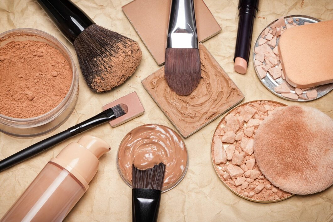Top Five Makeup Tools You Should Have in Your Makeup Bag