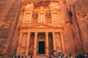 """Petra, Jordan - 10 Things to Know Before Visiting the """"Rose City"""""""