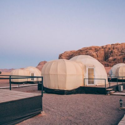 Mazayen Rum Camp Review – a Wadi Rum Luxury Desert Camp (with Martian Tents!)