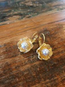 22ct Gold Pearl Flowers Kelley Hollis Jewelry