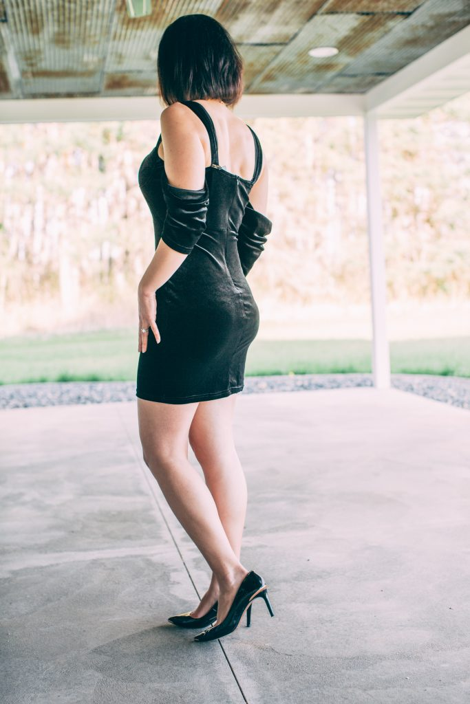 Trying a Black Velvet Bardot Wire Plunge Bodycon Mini Dress