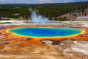 Grand prismatic spring in Yellowstone national park - The 10 Most Resilient U.S. Travel Destinations During the Pandemic