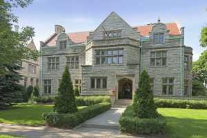 Historic Mansion airbnb in Minneapolis Minnesota