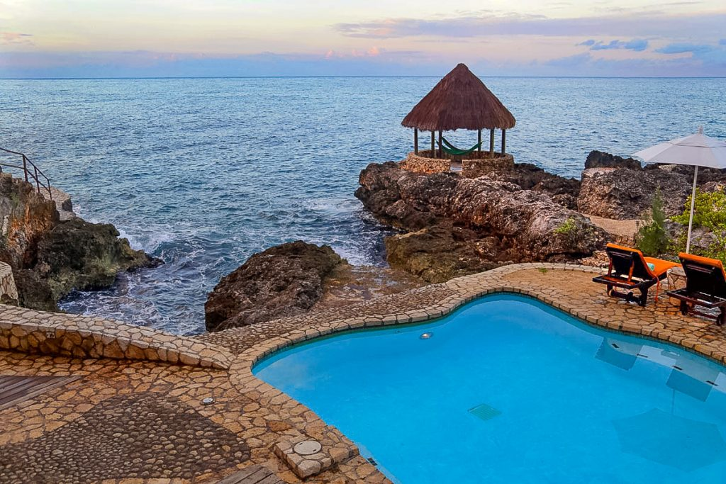 tensing-pen-hotel-negril-jamaica-travlinmad