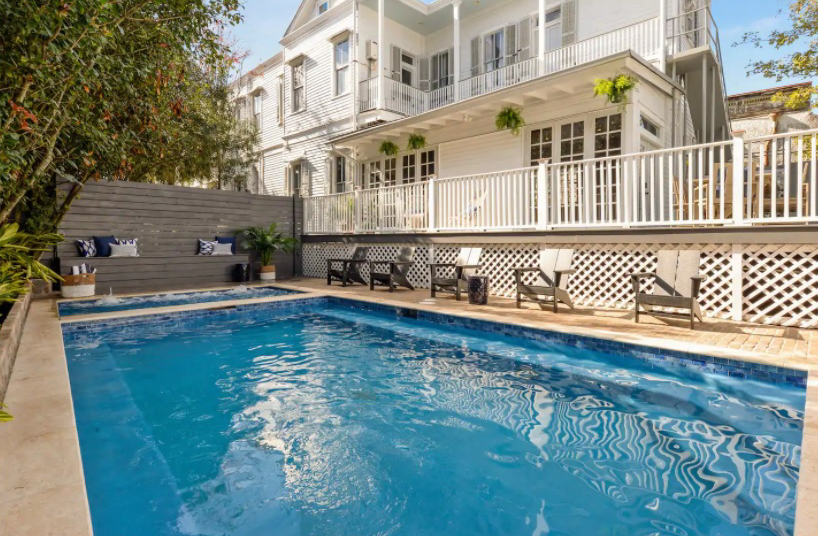 Stayloom's Opulent Esplanade Estate with Pool and Hot Tub
