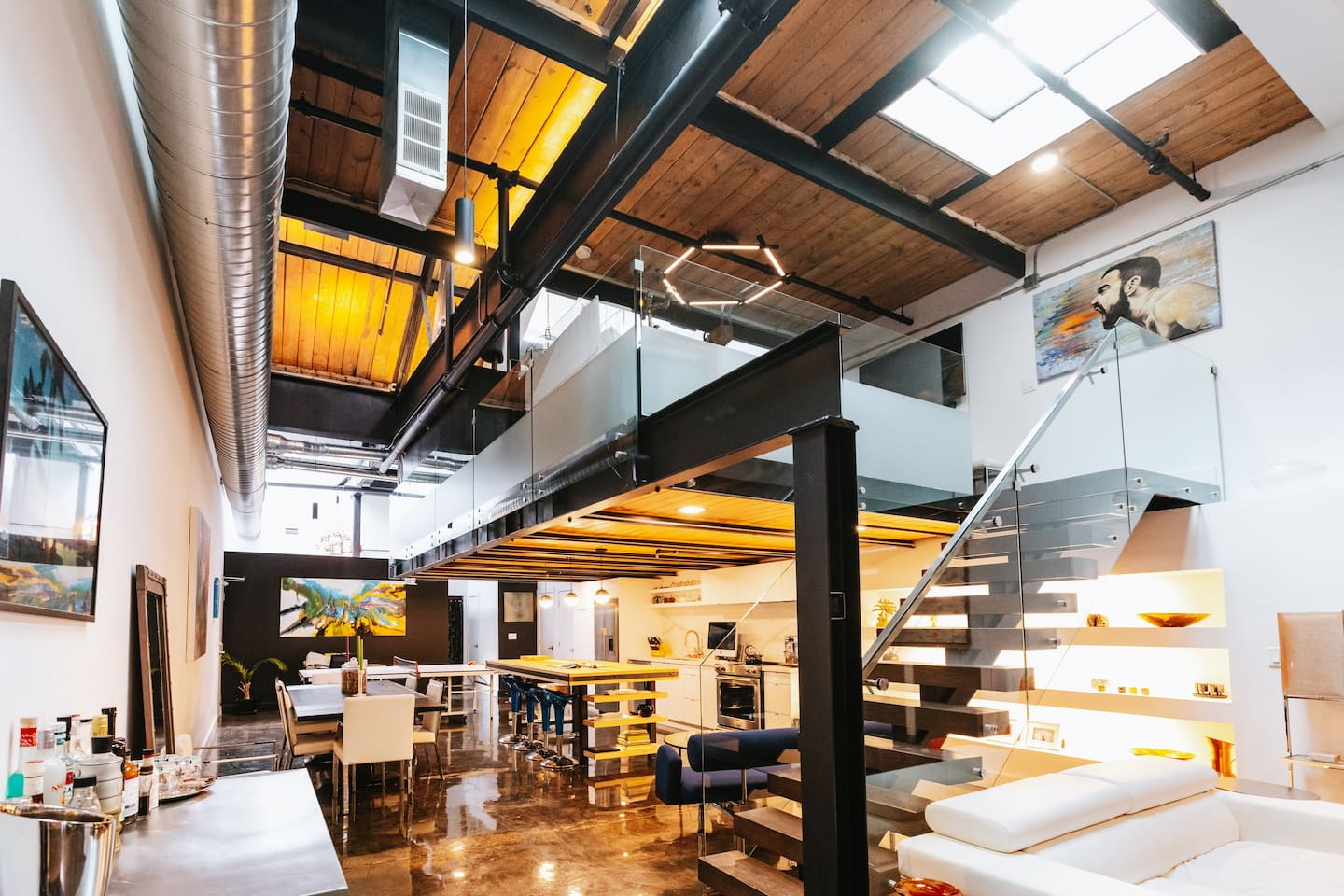 The Coolest Airbnbs in Toronto for 2021 – From Luxury Lofts to Tiny Homes