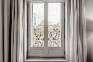 Luxe - Luxury contemporary suite with Eiffel Tower view