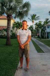 What to wear in Turks and Caicos for men when going to dinner