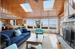 Sand Beach Cottage - prime Door County waterfront