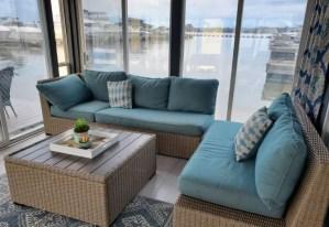 Relaxing Water Oasis; Houseboat Getaway!