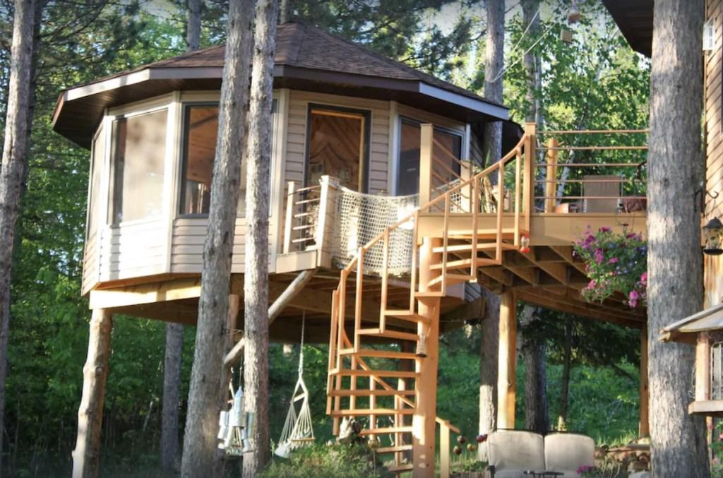 Treehouse glamping - Dunbar, Minnesota
