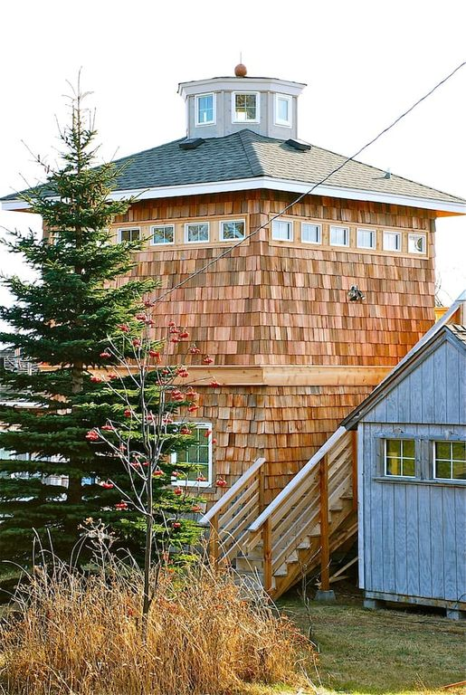 The Lighthouse. Affordable and unique lodging overlooking the harbor. VRBO Minnesota