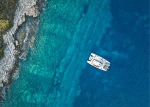 Take a Luxury Catamaran or Yacht Cruise