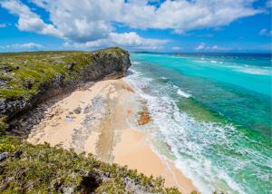 Enjoy the Mudjin Harbor Landscape (Middle Caicos)