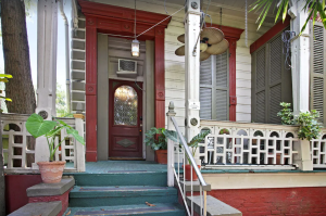 """NOLA Newly-remodeled """"Haunted"""" 10-bedroom 1800s Victorian Mansion"""