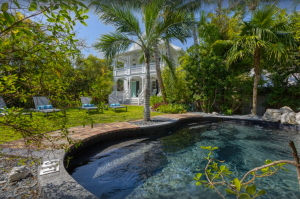 """Elegant 5-bedroom """"Southernmost Belle"""" Home with Heated Pool"""