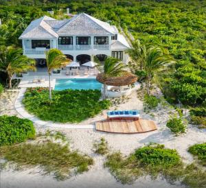 Kisiwa 6-bedroom Beachfront Villa with Pool
