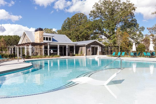 Haven-Design-Works-Atlanta-Edward-Andrews-Larkspur-Clubhouse-pool