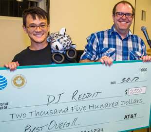 UH Students Win Top Prizes At UH-AT&T Hackathon