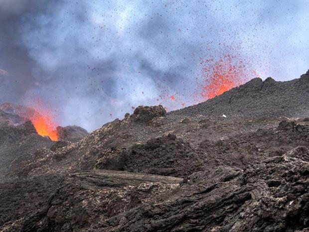 Erupting Piton de la Fournaise volcano