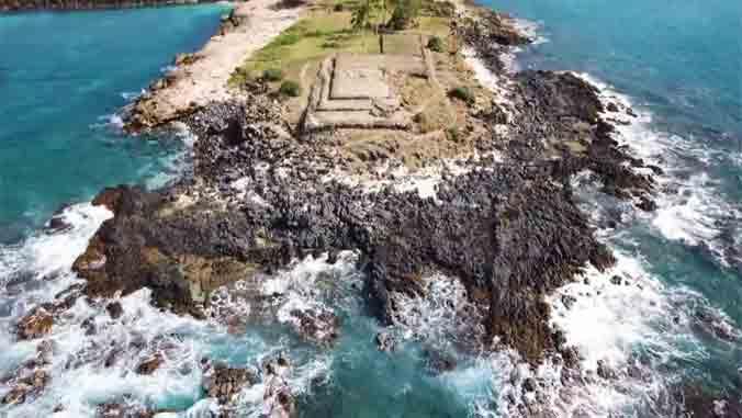 aerial photo of Waianae Heiau