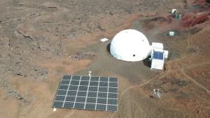 Moon/Mars crew exits HI-SEAS habitat