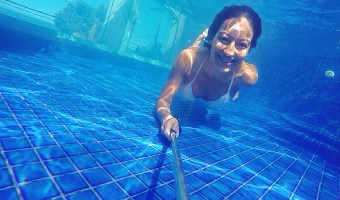 Life can be better under the sea! Check out these smile tips for your underwater photography.