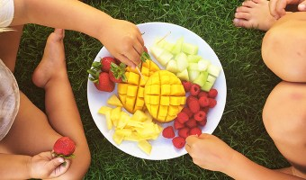 It's hard to keep your diet in mind when hunger strikes. Here are 3 tips to help you stay on track.